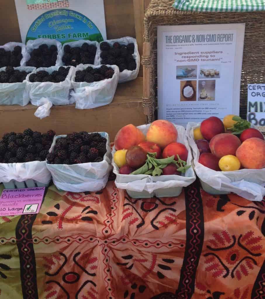 The Kelowna Farmers Market - Okanagan Fresh Fruit