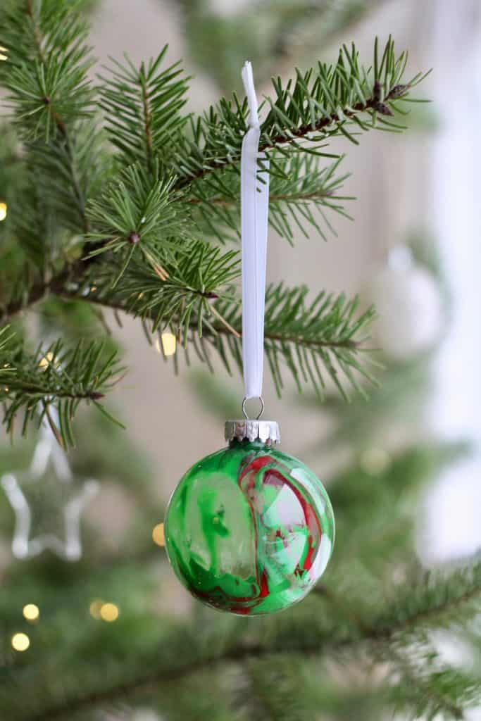 Christmas Paint Drip Clear Plastic Ornament DIY