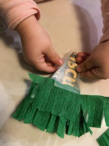 Turning Paper Streamers into Piñata Christmas Tree Ornaments Decorations