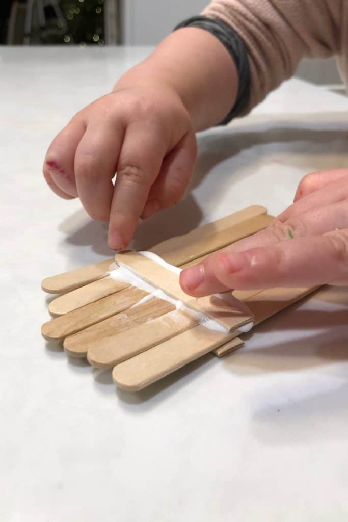 Glue and popsicle stick christmas craft