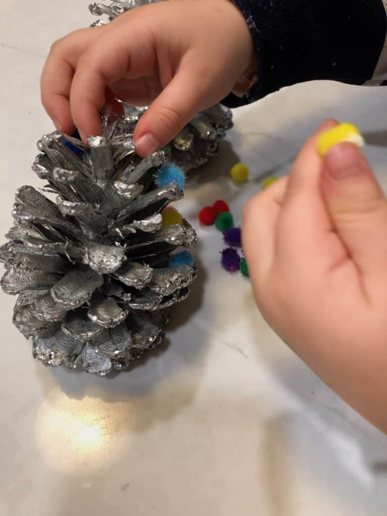 How to - toddler pinecone craft with pom poms