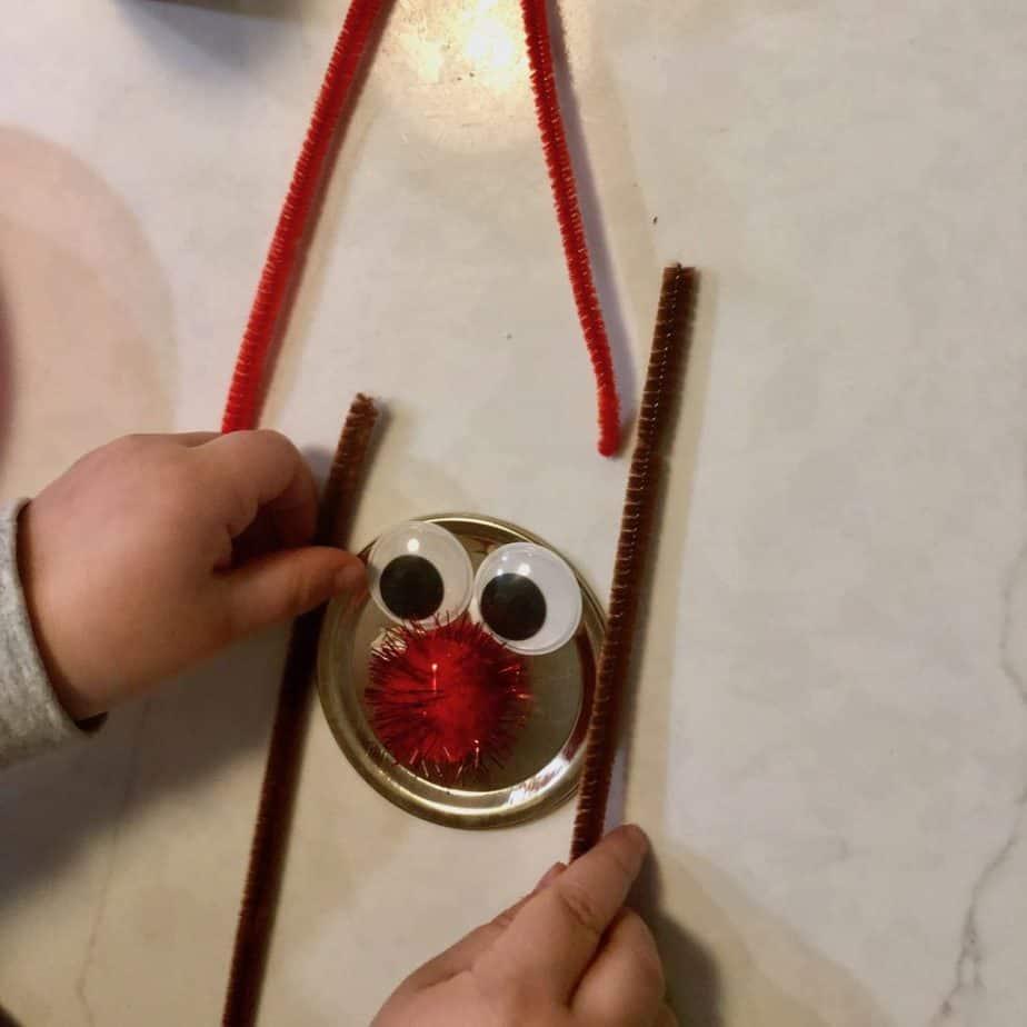 Preschool Reindeer Craft - Tutorial for Easy Toddler Tree Ornament