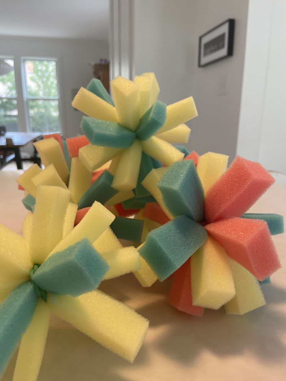 summer activities for toddlers - wet sponge stars (eco-friendly cool down)